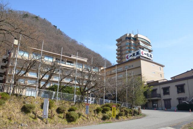 東鳳玄関前の桜_0401